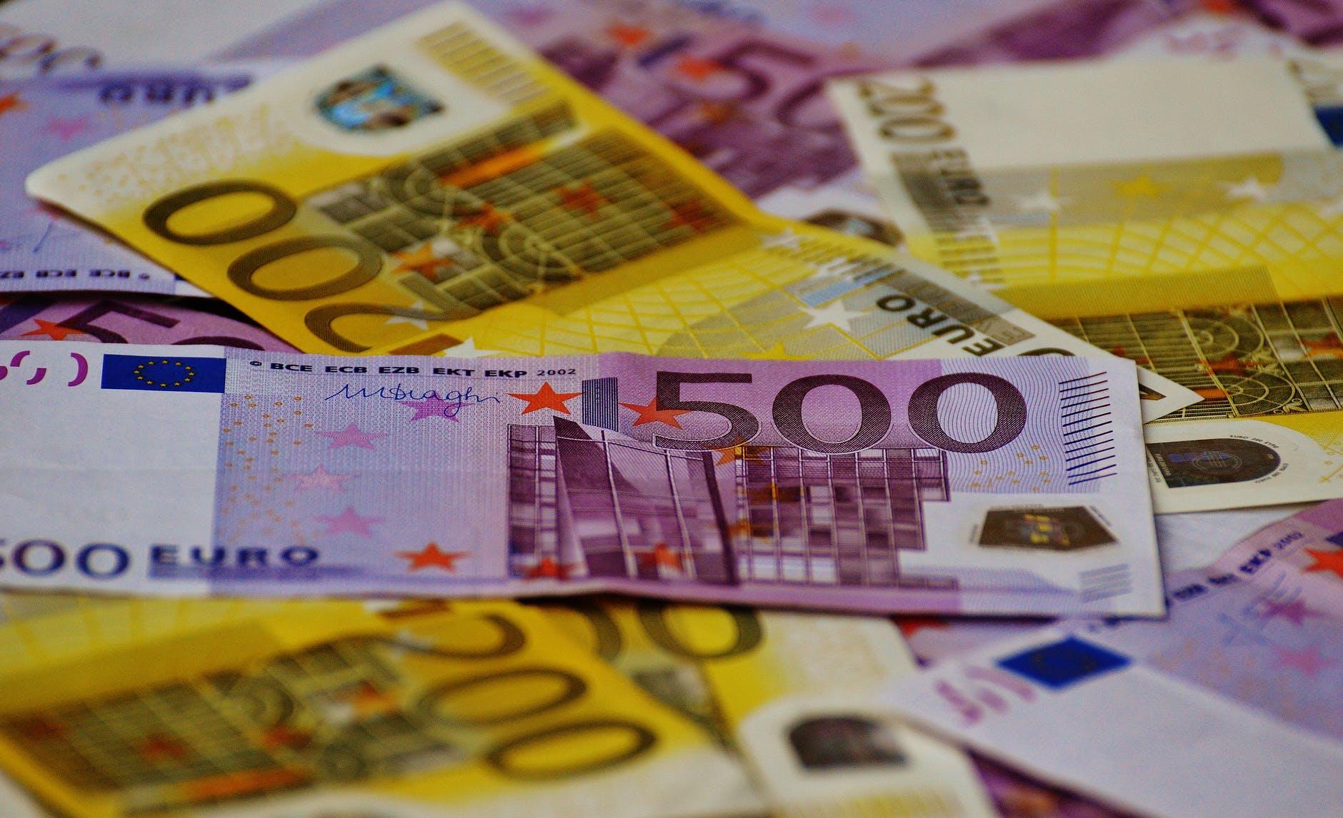 Un chèque numérique de 500 € sera proposé à tous les commerces fermés